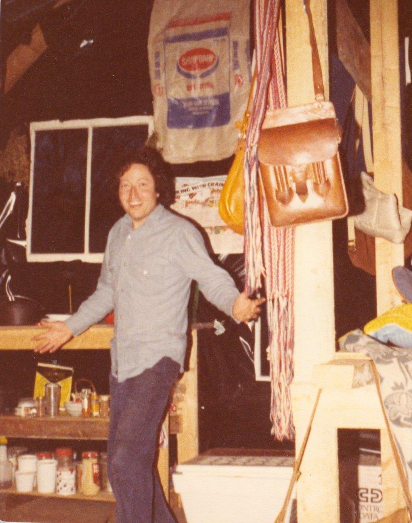 198005xx-ra-006-Wolf In Barn-Randboro