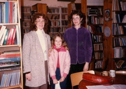 1984-10-Sandy Huges-Sharon Mundweiler + Daughter