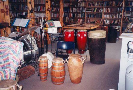 1998-909 QUeen E-Library