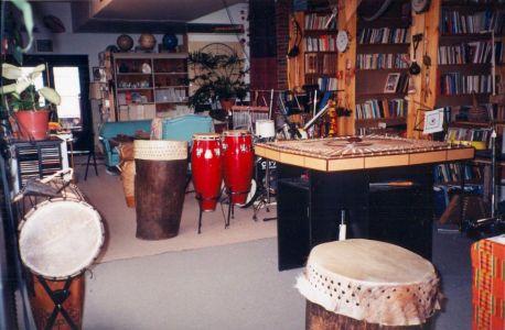 1998-909 Queen E Library