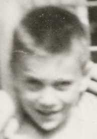 1959-07 -behind Riverside Dr-neighbours- Robin-052b