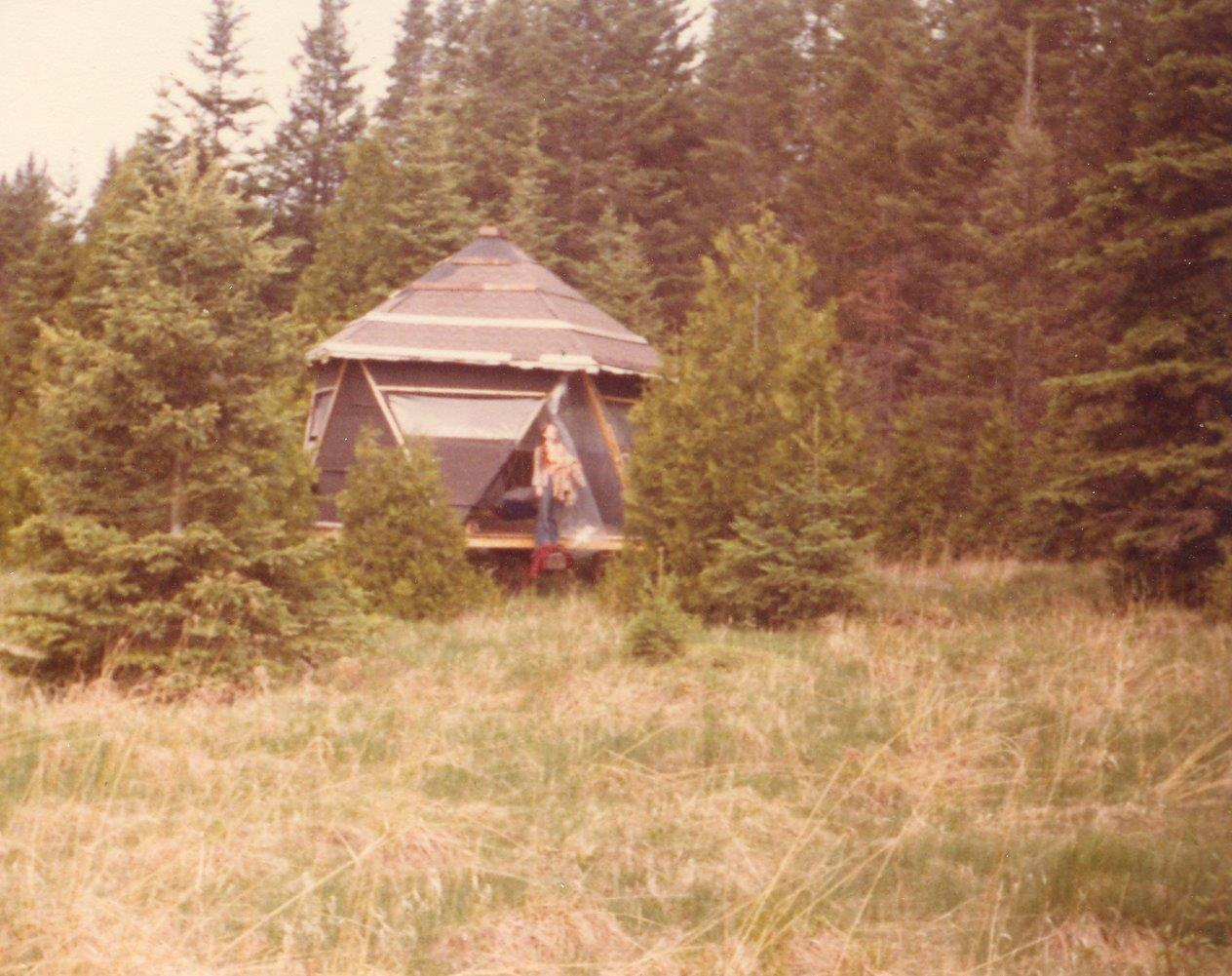 198005xx-ra-029-Barb At Cabin-Randboro