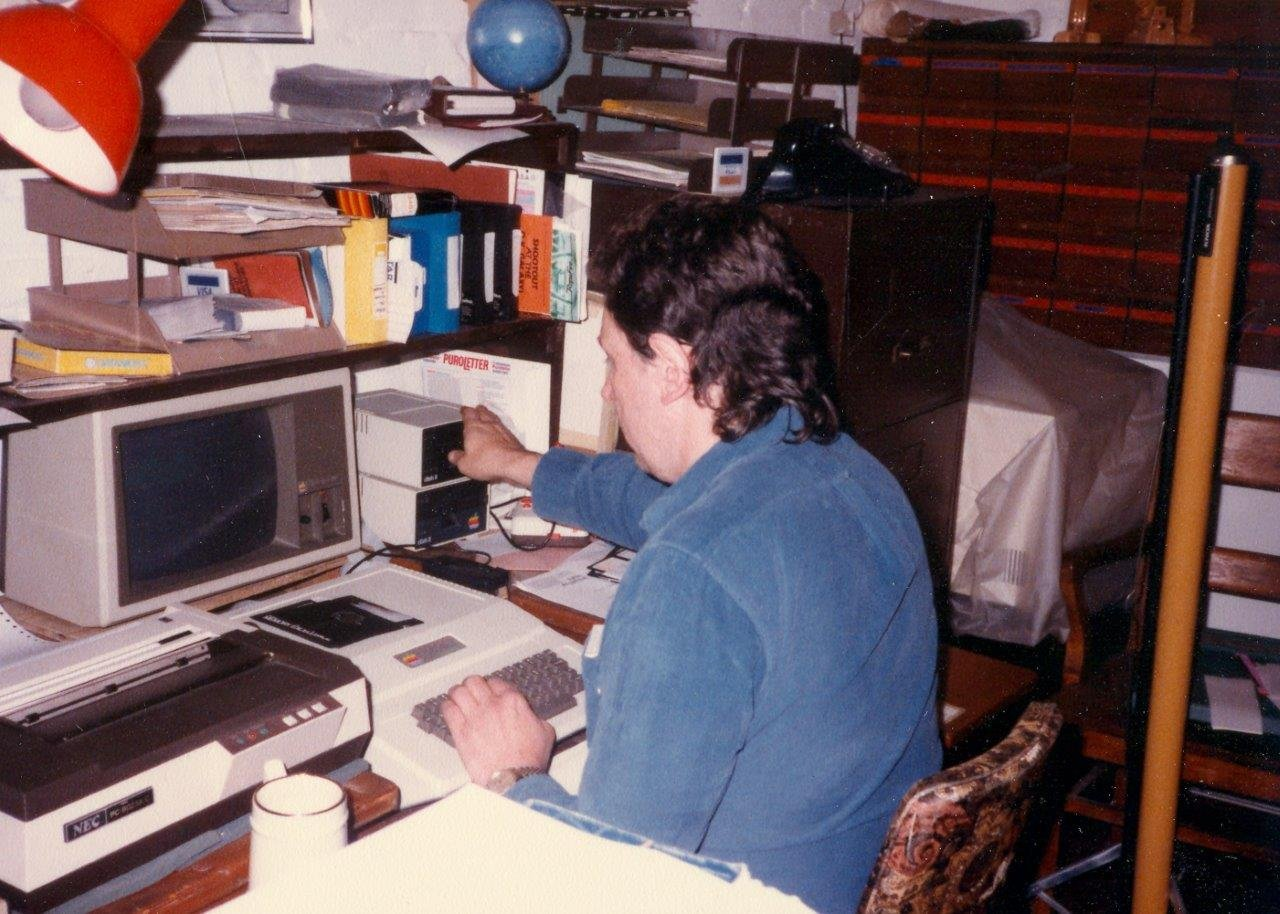 1984-10-Pat Roberto on the Apple II