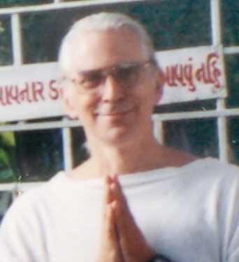 1997-09-India-11-27b Hari Om Ashram Surat-Robin