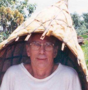 1997-09-India-13-22a Maharastra Raincoat-Robin